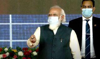 PM નરેન્દ્ર મોદીએ કચ્છમાં ડિસેલિનેશન પ્લાન્ટ, હાઈબ્રિડ એનર્જી પાર્કનું ભૂમિપૂજન કર્યું