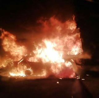 ગોંડલઃ કાર અને ટ્રક અથડાયા બાદ બન્ને વાહનોમાં આગ લાગી, કારમાં બેઠેલાં ત્રણ ભડથું