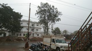 દક્ષિણ ગુજરાતમાં હવામાનમાં પલ્ટો : નર્મદા જિલ્લાના ડેડિયાપાડામા કમોસમી વરસાદ
