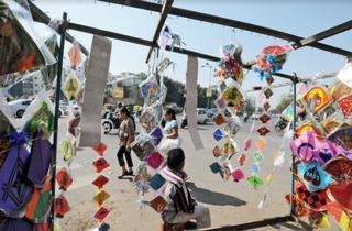 કોરોના ઇફેક્ટ: પતંગનું ઉત્પાદન 60 ટકા જેટલું જ થયું, કારીગરોને આર્થિક નુકસાન