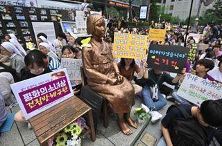 બીજુ વિશ્વયુદ્ધઃ જાપાની સૈનિકો દ્વારા સેક્સ ગુલામ બનાવેલી કોરિયન મહિલાઓને 80 વર્ષ પછી ન્યાય
