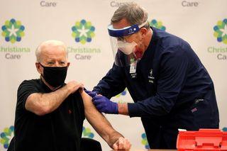 યુએસના આગામી રાષ્ટ્રપતિ જો બિડેને કોરોના રસીનો બીજો ડોઝ લીધો