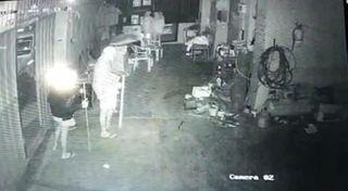 બારડોલીની તેન જી.આઈ.ડી.સી.માં દસ દુકાનોના તાળાં તૂટ્યા