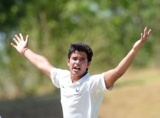 અર્જુન તેંડુલકરે મુંબઇની સીનિયર ટીમમાં કર્યું ડેબ્યૂ, હવે IPLની હરાજીમાં થઇ શકશે સામેલ