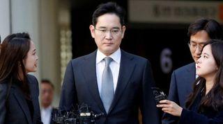 કોરિયાઃ પૂર્વ રાષ્ટ્રપતિને લાંચ આપવાના આરોપમાં Samsungના વાઇસ પ્રેસિડેન્ટને 2.5 વર્ષની જેલ