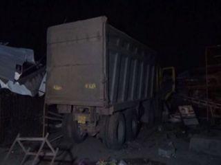 સુરતઃ કાળમુખા ડમ્પરે રસ્તાની બાજુમાં ઊંઘતા શ્રમજીવીઓને કચડ્યા, 15નાં મોત