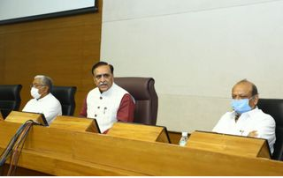 CM રૂપાણીનો મહત્વનો નિર્ણય, ગુજરાતમાં ખેડવાણ જમીન વધારવા બાગાયત પોલિસી જાહેર કરી