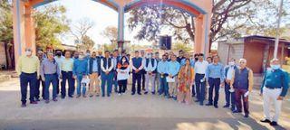 સરકારની યોજનાઓની અમલવારી માટે કેન્દ્રના 30 સચિવો પુંસરી ગામની મુલાકાતે