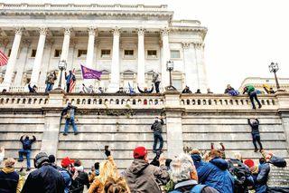 કેપિટોલ હિંસામાં ઉશ્કેરણી બદલ ઇમ્પીચમેન્ટમાં ટ્રમ્પનો 'નિર્દોષ છૂટકારો'