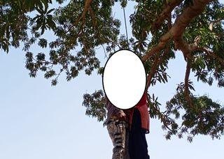મધ્યપ્રદેશ ઝાબુઆ જિલ્લાના થાદલા નજીક સેમલપાડા ગામના એક ઝાડ પર યુવક-યુવતીની લટકતી લાશ