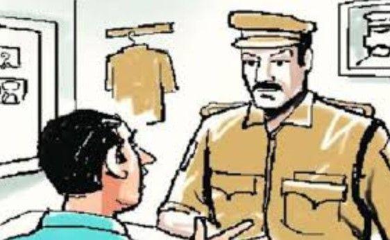 Poshina taluka panchayat president and his father threatened to kill