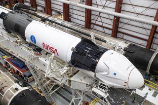 નાસા અને સ્પેસએક્સએ સાથે મળીને 4 અવકાશ યાત્રી સાથેનું CREW 2 લોન્ચ કર્યું.