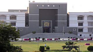 ગુજરાત હાઈકોર્ટના વકીલ સંગઠને ઓક્સિજન, બેડની અછતના મુદ્દે કોર્ટમાં રજૂઆત કરી