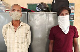 પલસાણાના શેઢાવમાં જુગાર રમાડતા બે વ્યક્તિને કડોદરા પોલીસે દબોચી લીધા