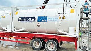 ઓક્સિજન કન્ટેનર્સ બનાવવા UAEમાં ભારતીય કંપનીએ CNG સિલિન્ડર્સનું ઉત્પાદન બંધ કર્યું
